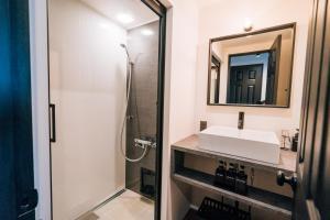 東邦ホテルゾンク中洲であい橋 1室貸切にあるバスルーム