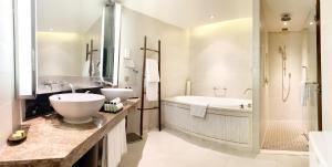 A bathroom at InterContinental Hanoi Westlake, an IHG Hotel