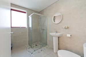 A bathroom at Hazelwood Short Stay Accommodation