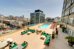 A view of the pool at Holiday Inn San Francisco - Golden Gateway, an IHG Hotel or nearby