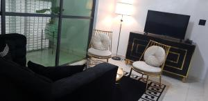 A seating area at Executive Home