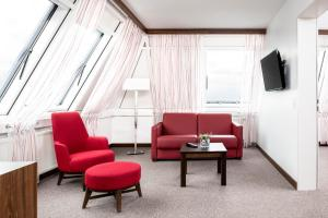 A seating area at Fora Hotel Hannover