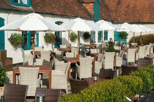 A restaurant or other place to eat at The Carnarvon Arms