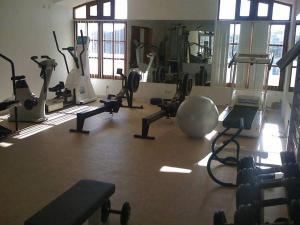 Gimnasio o instalaciones de fitness de Apartamentos Os Descobrimentos