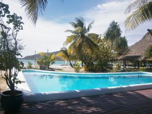 The swimming pool at or close to Navutu Stars Resort