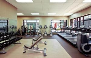 The fitness center and/or fitness facilities at The Westin Chicago River North