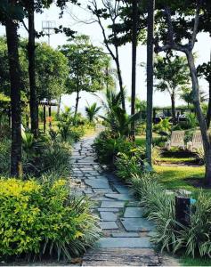 Um jardim em Pousada Acqua Infinity