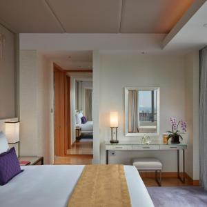 A bed or beds in a room at Mandarin Oriental Tokyo