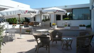 A restaurant or other place to eat at Hotel Ambrosio La Corte