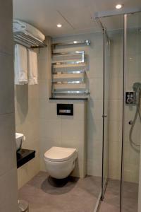 Bagno di BEST WESTERN PLUS Delmere Hotel