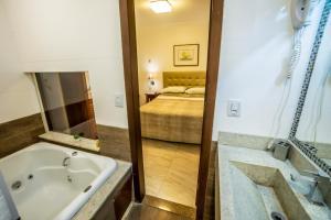 A bathroom at Pousada Bahia Pelô