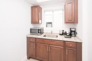 A kitchen or kitchenette at The Donovan at Miami Beach
