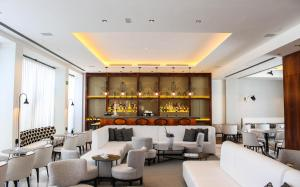 The lounge or bar area at Hotel MiM Sitges