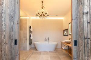 A bathroom at Kitzhof Mountain Design Resort 4 Sterne Superior