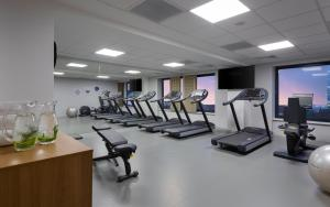 The fitness center and/or fitness facilities at Courtyard by Marriott Bucharest Floreasca