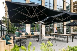 Een restaurant of ander eetgelegenheid bij The Student Hotel Eindhoven