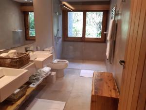 Um banheiro em Hotel Toriba