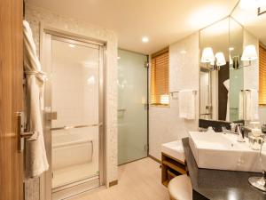 A bathroom at Solaria Nishitetsu Hotel Kagoshima