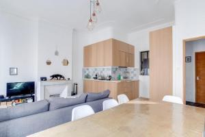 A kitchen or kitchenette at Marseille - hyper centre- Docks Joliette - maxi 8p