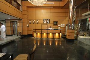 O saguão ou recepção de Al Thanaa Alraqi Furnished Apartments