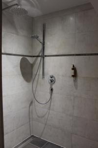 Ein Badezimmer in der Unterkunft Landhaus Jägerkrug