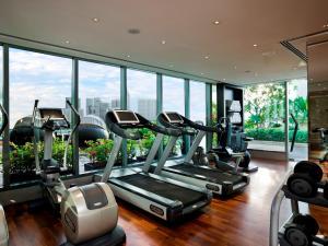 Das Fitnesscenter und/oder die Fitnesseinrichtungen in der Unterkunft The Fullerton Bay Hotel Singapore (SG Clean, Staycation Approved)