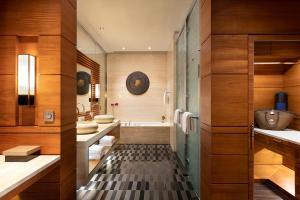 Ванная комната в Raffles Hainan