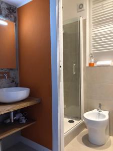 A bathroom at B&B Dimor'à