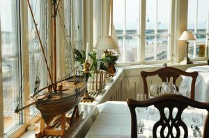 A restaurant or other place to eat at Hotel Kullaberg - Sweden Hotels