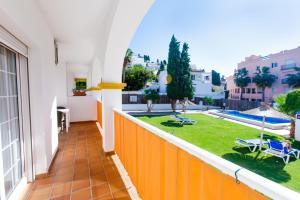 En balkong eller terrass på Apartamentos Almoraide Suites