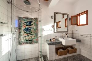 A bathroom at Melenos Art Boutique Hotel