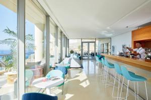 Restauracja lub miejsce do jedzenia w obiekcie Lindos Blu Luxury Hotel-Adults only