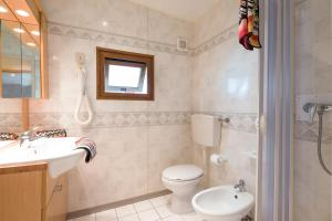 A bathroom at Camping Village Baia Blu La Tortuga