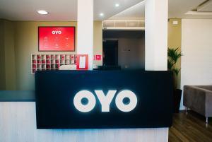 The lobby or reception area at OYO Cerrado Hotel