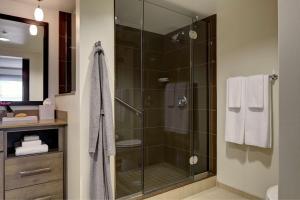 A bathroom at HYATT House Pittsburgh-South Side