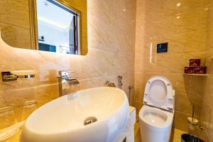 A bathroom at CJ Residence