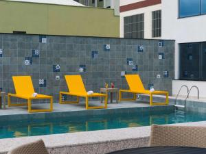 The swimming pool at or close to Novotel Itajai