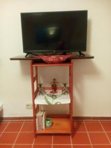 A television and/or entertainment center at Tramper-Zimmer