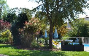 Ein Garten an der Unterkunft La Rochelle Lodge