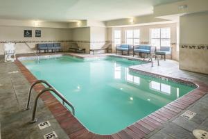 The swimming pool at or near Homewood Suites by Hilton Cedar Rapids-North