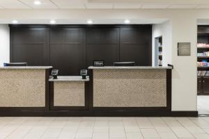 The lobby or reception area at Homewood Suites by Hilton Cedar Rapids-North