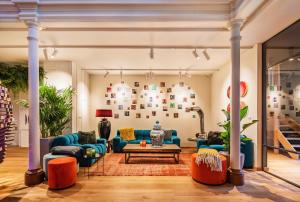 The lobby or reception area at BUNK Hotel Utrecht