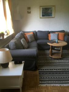Ein Sitzbereich in der Unterkunft Heidelandhaus