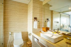 A bathroom at Jimbaran Bay Beach Resort and Spa by Prabhu