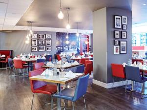 A restaurant or other place to eat at Novotel London Waterloo