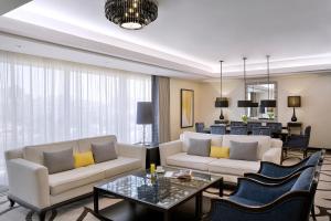منطقة جلوس في voco - Riyadh, an IHG Hotel