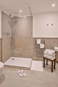 A bathroom at Hotel Riviera dei Fiori