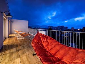 A balcony or terrace at Mercure Marseille Centre Prado Vélodrome
