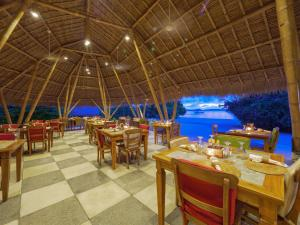 A restaurant or other place to eat at Komodo Resort