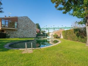 Jardín al aire libre en Modern Holiday home in A Coruna with Pool
